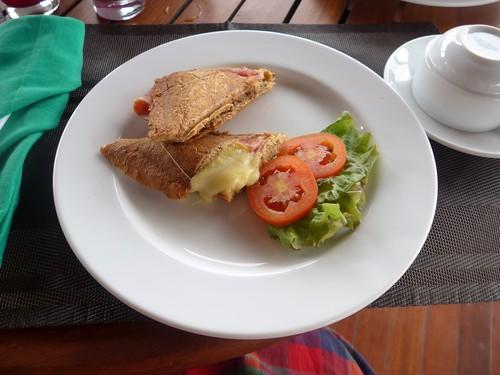 バリ島へ行く③ 〜テラスでの食事が超絶楽しい〜_f0232060_0185568.jpg