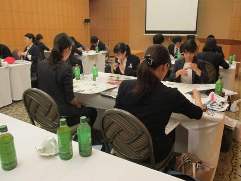 4社合同新入社員研修_e0190287_16132552.jpg