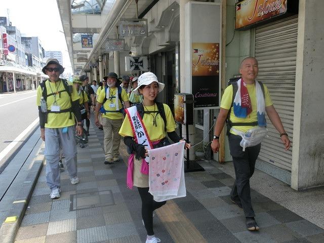 「かぐや姫の富士山への里帰り」 富士山登山ルート3776ツアーの皆さんを吉原商店街で歓迎_f0141310_06323770.jpg