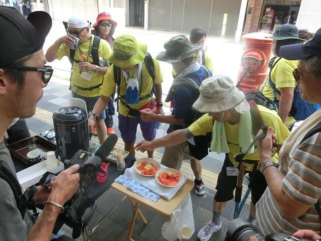 「かぐや姫の富士山への里帰り」 富士山登山ルート3776ツアーの皆さんを吉原商店街で歓迎_f0141310_06331098.jpg