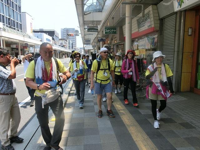 「かぐや姫の富士山への里帰り」 富士山登山ルート3776ツアーの皆さんを吉原商店街で歓迎_f0141310_06335189.jpg