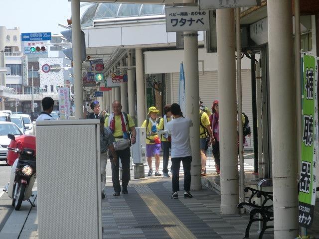 「かぐや姫の富士山への里帰り」 富士山登山ルート3776ツアーの皆さんを吉原商店街で歓迎_f0141310_06361125.jpg
