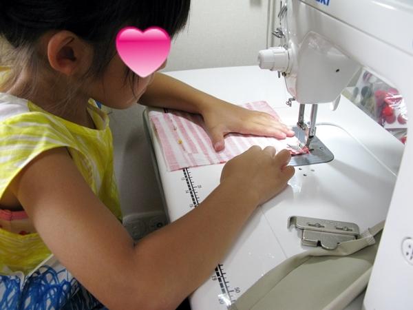 ばぁばのワークショップ ミシンで縫う_f0129726_16401924.jpg