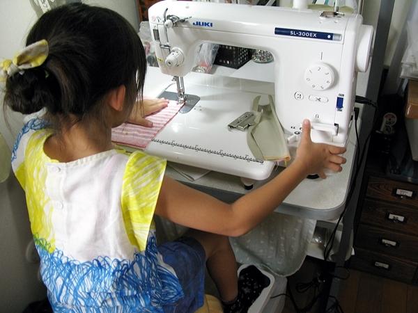 ばぁばのワークショップ ミシンで縫う_f0129726_16414505.jpg
