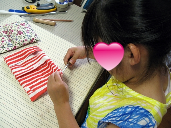 ばぁばのワークショップ ミシンで縫う_f0129726_18103758.jpg