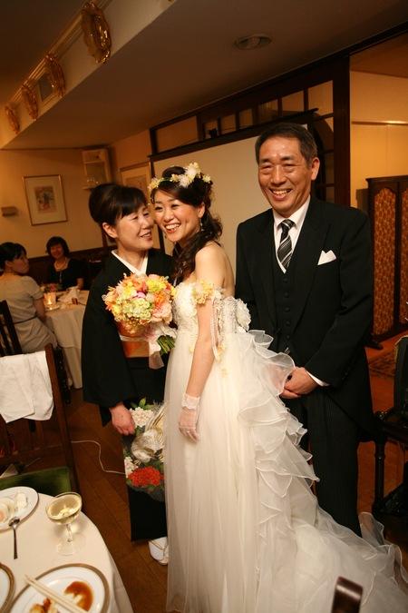 新郎新婦さまからのメール ロイストン教会の花嫁花婿様より 毎年結婚記念日に _a0042928_16172118.jpg