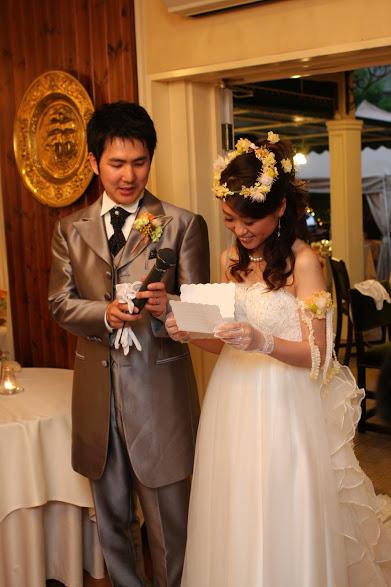 新郎新婦さまからのメール ロイストン教会の花嫁花婿様より 毎年結婚記念日に _a0042928_1618497.jpg