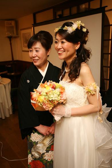 新郎新婦さまからのメール ロイストン教会の花嫁花婿様より 毎年結婚記念日に _a0042928_16212358.jpg