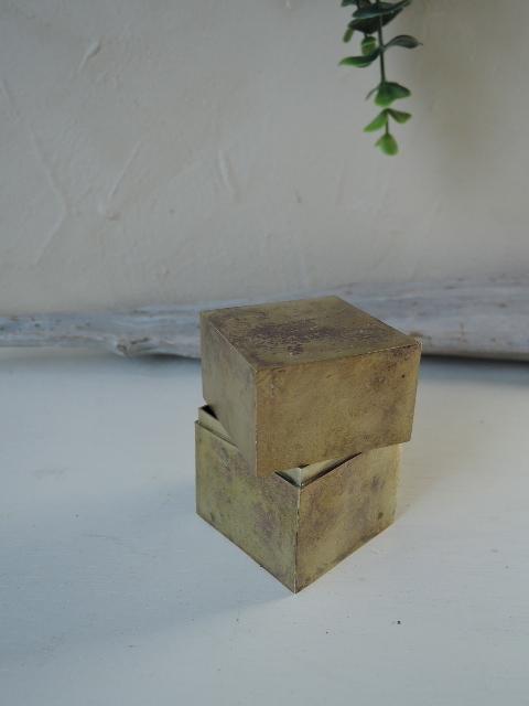 真鍮、印籠蓋箱_a0108859_14541370.jpg