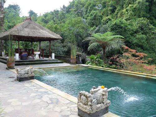 バリ島へ行く④ 〜絶景プールでランチを食べる〜_f0232060_039157.jpg