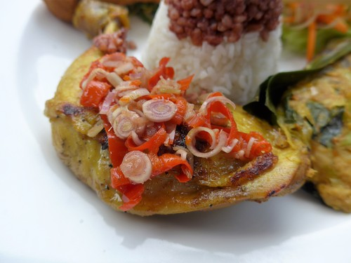 バリ島へ行く④ 〜絶景プールでランチを食べる〜_f0232060_050387.jpg