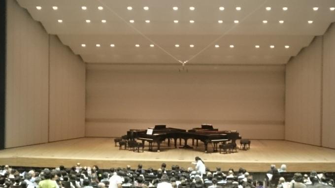 ジャズピアノ6台コンサート♪_e0040673_12460751.jpg