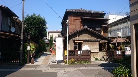 上野桜木あたり_c0128375_10445935.jpg