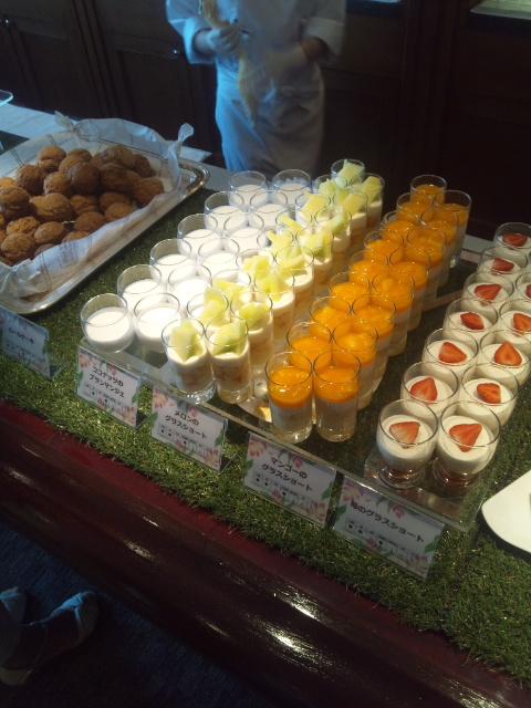 川崎日航ホテル 夜間飛行 マンゴーとメロンのトロピカルスイーツブッフェ_f0076001_22241016.jpg