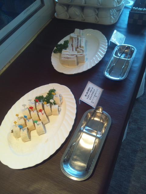川崎日航ホテル 夜間飛行 マンゴーとメロンのトロピカルスイーツブッフェ_f0076001_22301468.jpg