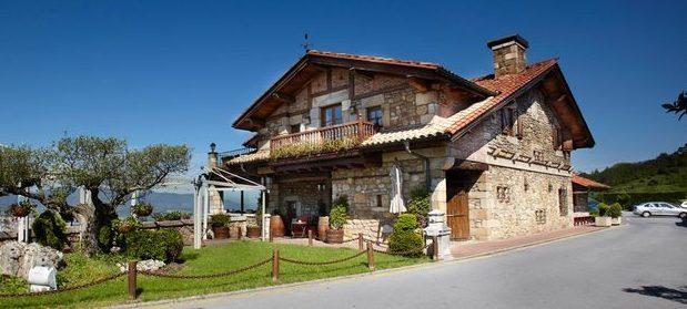 2017年GW スペインバスク地方、ワイナリーと バル巡りの旅 その4 ビルバオを一望できるレストランで_a0223786_12423849.jpg