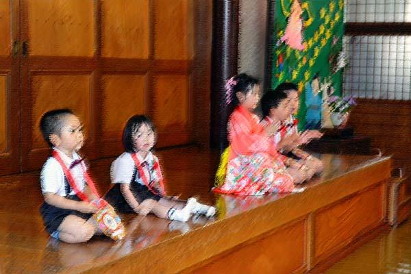 第一幼稚園、6月7月生まれのお誕生会を行いました。_d0353789_1445221.jpg