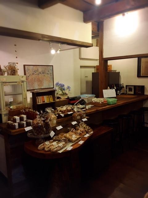 イタリア料理 ポルケッタ カウンターと飾り棚♪_a0230197_10440723.jpg