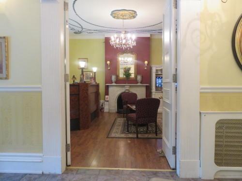 モントリオールで、パリのようなホテルに泊まる_d0240098_11031654.jpg
