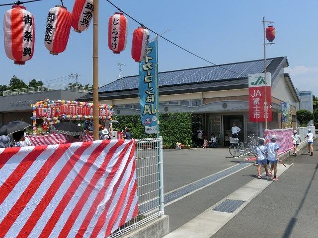 猛暑の中、ミスト扇風機が大活躍  津田・荒田島、駿河台二丁目の天王祭_f0141310_08081681.jpg