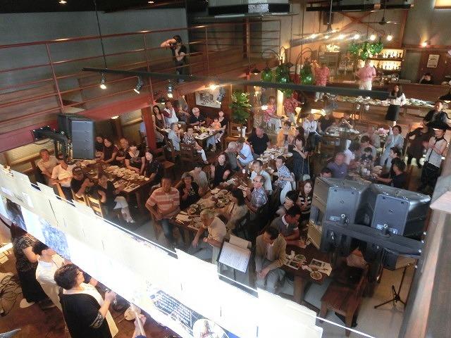 お客さんがいっぱい! 勝亦正人とアロハコールズ 「真珠貝」15周年記念ライヴ_f0141310_07155134.jpg