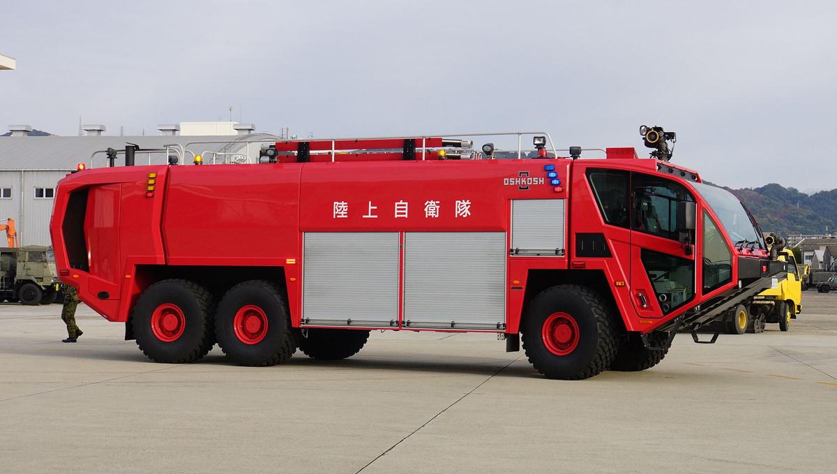航空用化学消防車、(陸上自衛隊)_b0044115_7201550.jpg