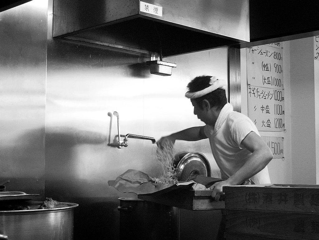 掛川の「ジェット家」でチャーシュー麺と味玉_e0220163_14553021.jpg