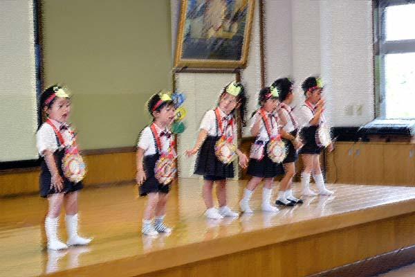 第二幼稚園のお誕生会です。(6月・7月)_d0353789_1357152.jpg