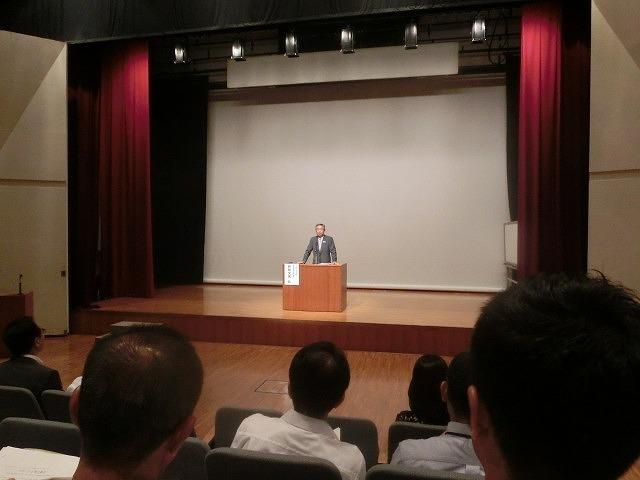 「出遅れ感」の富士市  講演会「スポーツと地方創生」を聴講して_f0141310_08113877.jpg