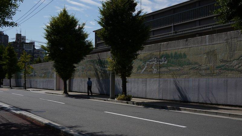 広島拘置所外壁画_b0190540_15214377.jpg