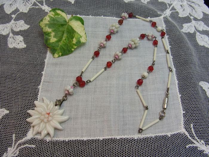 大人可愛いお花のネックレス♪_d0127182_15590137.jpg