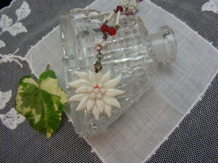 大人可愛いお花のネックレス♪_d0127182_16000530.jpg