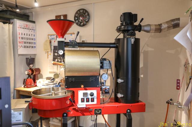 バスキアの絵があるカフェとその店を教えてくれた雑貨店_a0158797_22325529.jpg