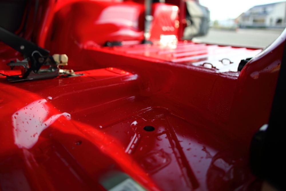 ワイパー修理から展示用TJ内装作業開始_f0105425_20141658.jpg