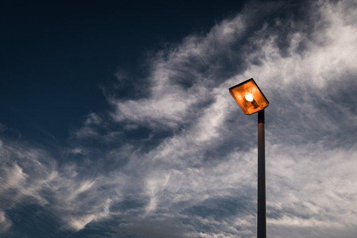 さまざまな雲が浮かぶ夕空_d0353489_21575617.jpg