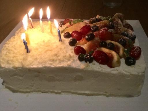何回めのBirthday Cake?_b0210699_23145593.jpg