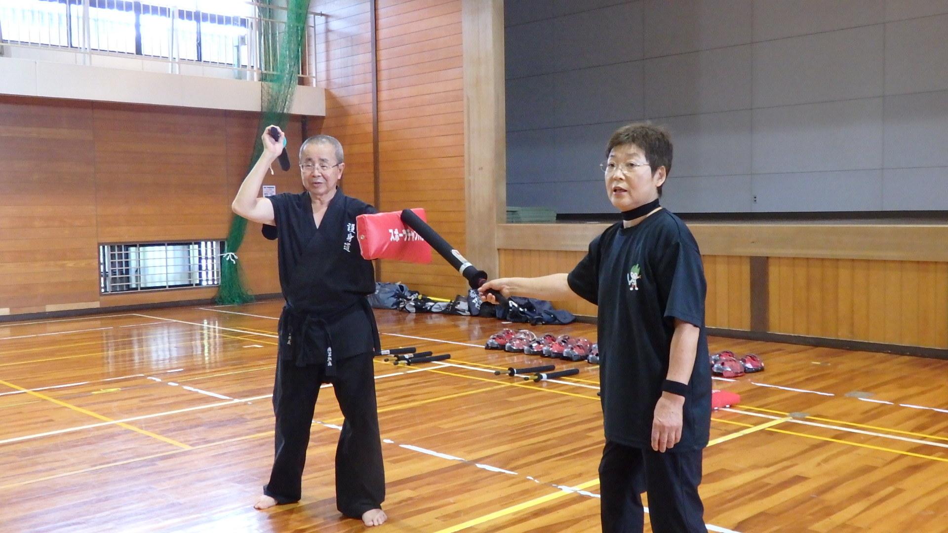 勇ましい剣士誕生!「スポーツチャンバラ + お楽しみ会」_b0239402_16571404.jpg