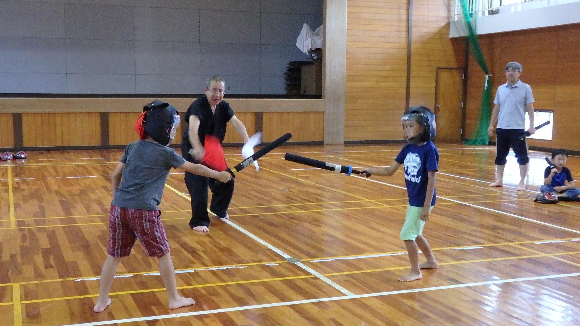 勇ましい剣士誕生!「スポーツチャンバラ + お楽しみ会」_b0239402_17033461.jpg
