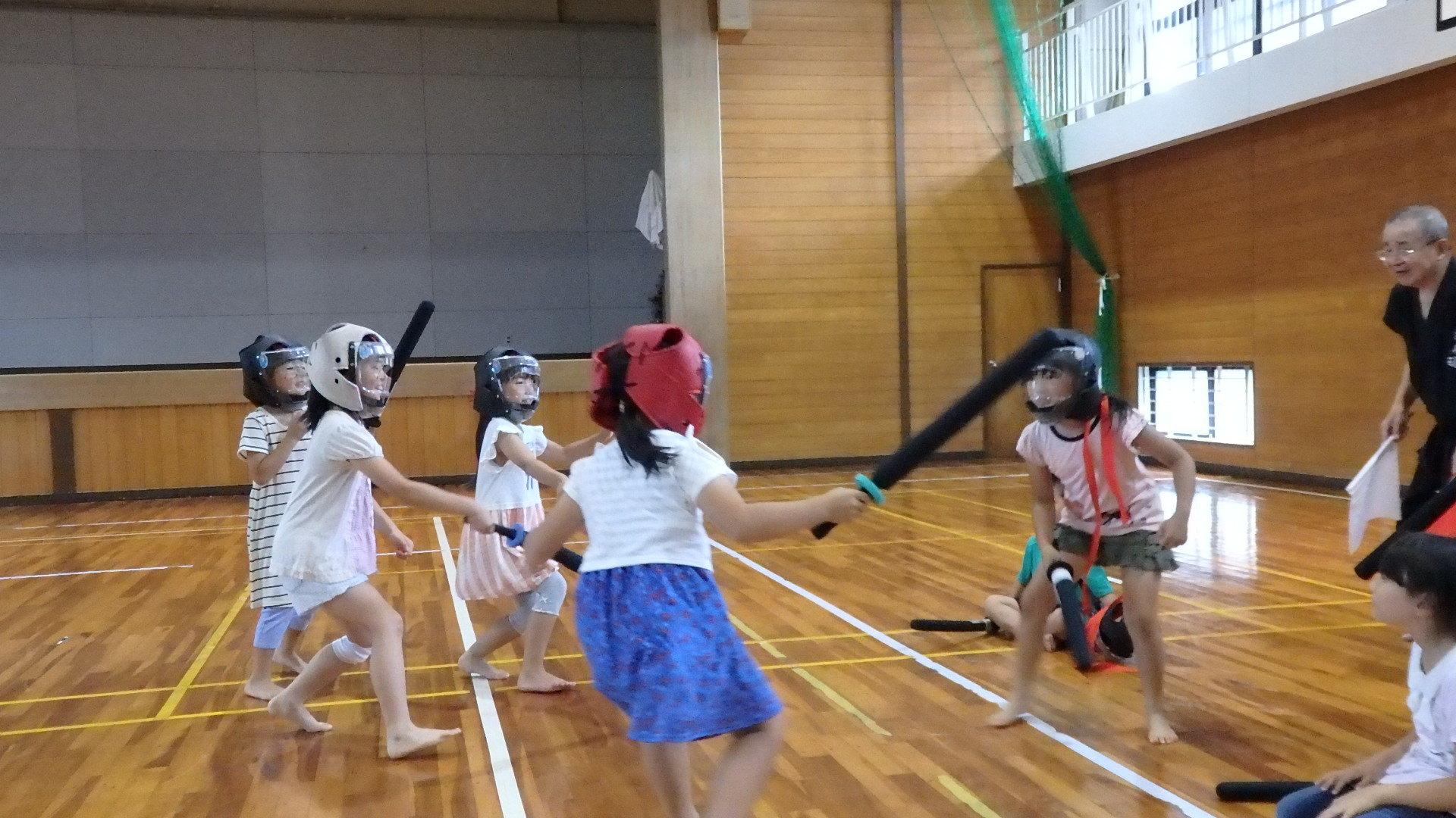 勇ましい剣士誕生!「スポーツチャンバラ + お楽しみ会」_b0239402_17193929.jpg