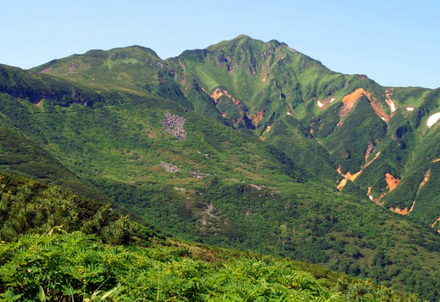 2017年7月13日(木) 富良野岳(標高1912m)~三峰山(1866m)~上富良野岳(1893m)_a0345007_19561367.jpg