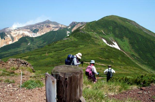 2017年7月13日(木) 富良野岳(標高1912m)~三峰山(1866m)~上富良野岳(1893m)_a0345007_2025109.jpg