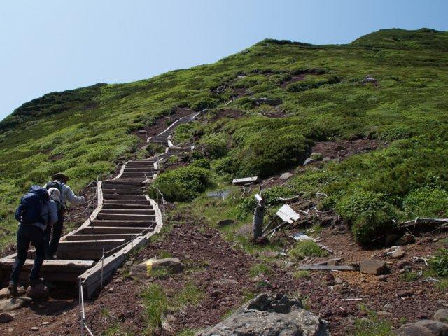 2017年7月13日(木) 富良野岳(標高1912m)~三峰山(1866m)~上富良野岳(1893m)_a0345007_2031517.jpg