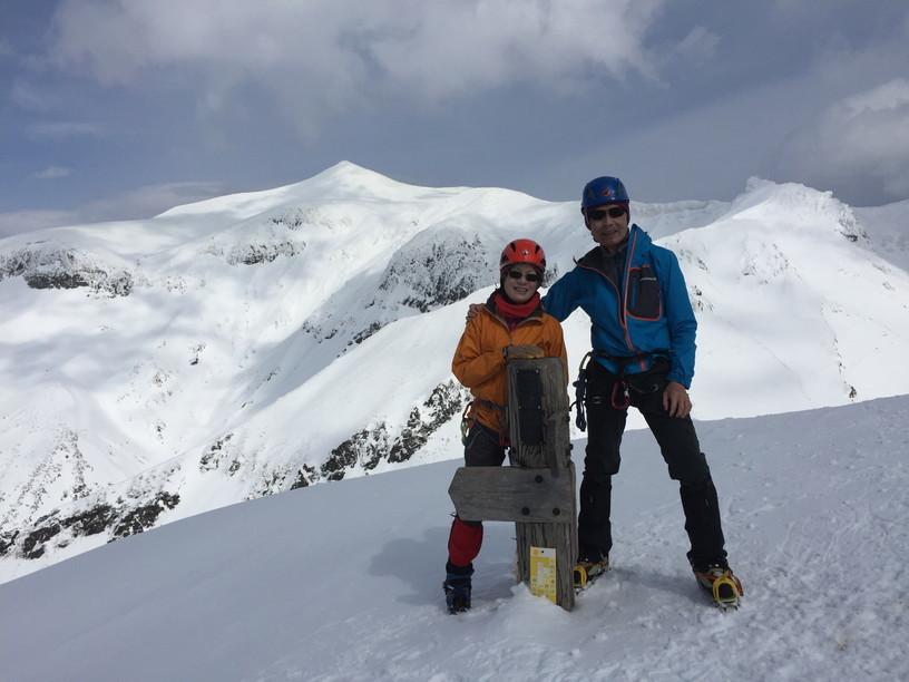 """2017年4月 『氷雪の三段山夫婦岩ルンゼ、上ホロカメットク』April 2017 \""""Ice climbing to Tokachi Mountains\""""_c0219616_21465785.jpg"""