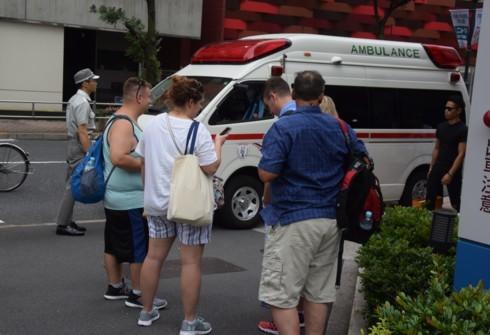 外国人観光客も救急車の世話に_f0055131_09184597.jpg