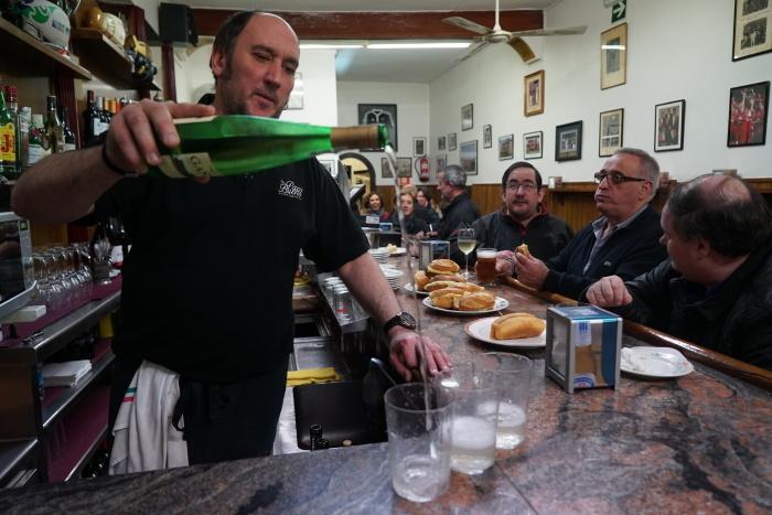 2017年GW スペインバスク地方、バル巡りの旅その10 サン・セバスチャン バル巡り1日目。_a0223786_10412858.jpg