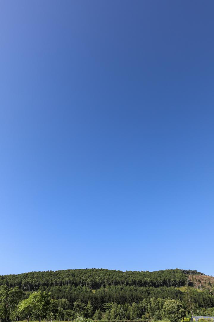ただただ何もない「夏色の空」_a0158797_23264848.jpg