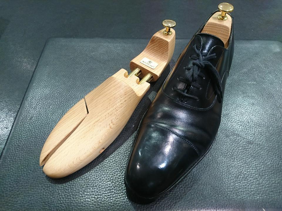 革靴のひび割れ、乾燥が原因かも・・・_b0226322_11413750.jpg