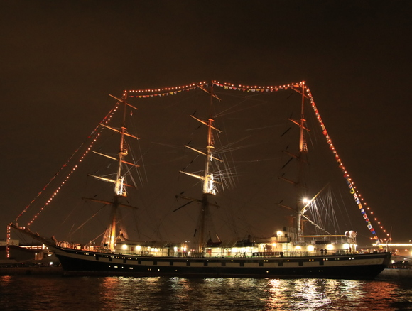 神戸港開港150周年 ロシア_d0202264_1229436.jpg