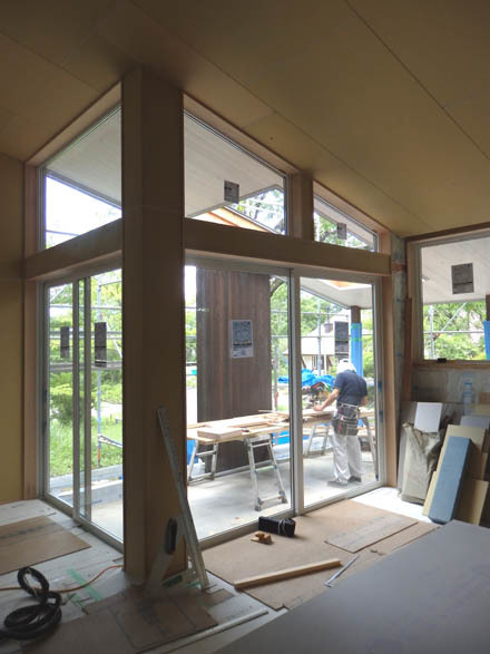 大工工事終盤の小淵沢K邸へ_b0183404_18060266.jpg