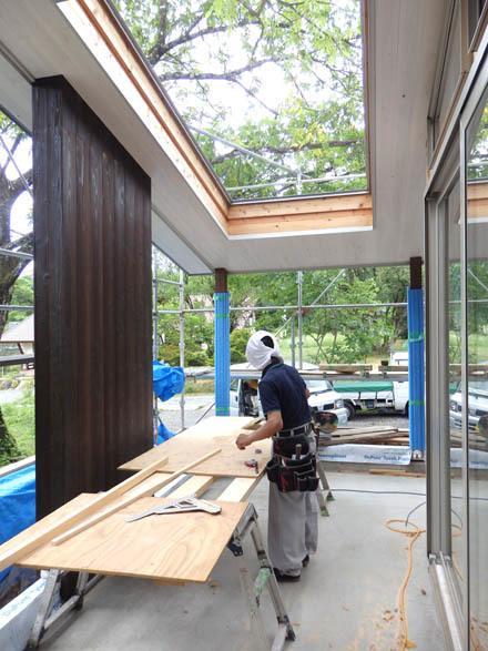 大工工事終盤の小淵沢K邸へ_b0183404_18103659.jpg